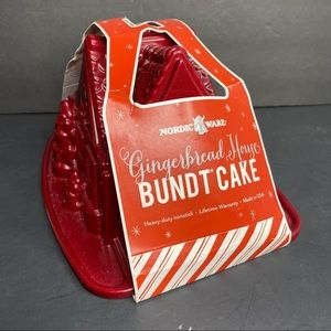 Nordic Ware Gingerbread House Bundt Pan Mold NEW